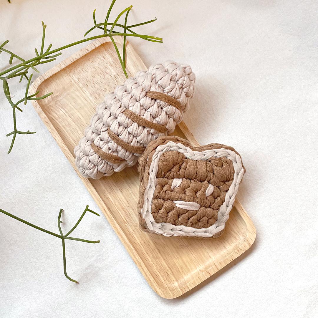 파리의 아침삑삑이 - 통밀식빵+마늘바게트 @또쭈스튜디오